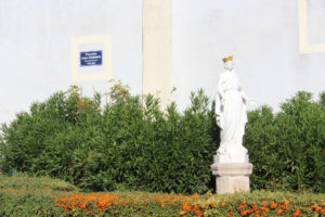 Statue Garons